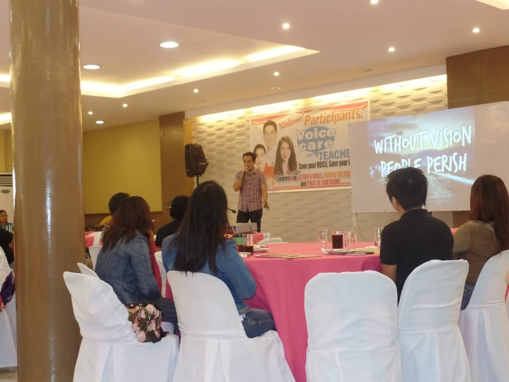 The VoiceMaster talks about Generation Z in Voice Care for Teachers Workshop
