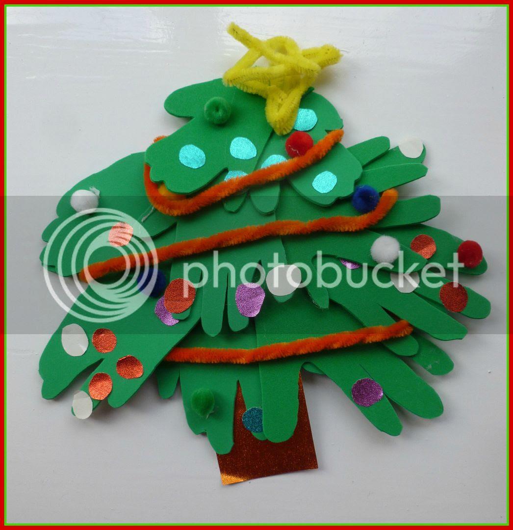 foam handprint Christmas tree