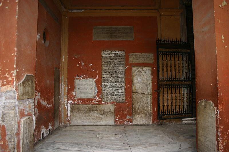 File:0344 - Roma - S. Silvestro in Capite - Cortile - Foto Giovanni Dall'Orto, 11-Apr-2008.jpg