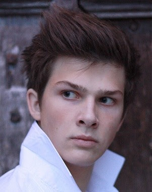 A short brown straight quiff hairstyle by Guy Kremer    #hair #menshairstyle #hairstyle