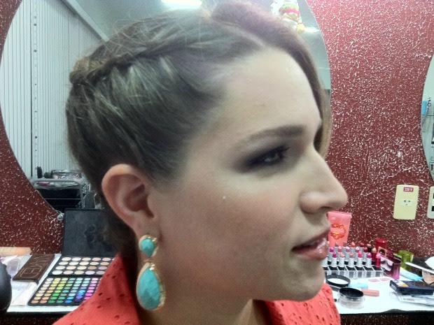 Penteados com trança são os mais procurados pela mulheres (Foto: Marina Souza/G1)