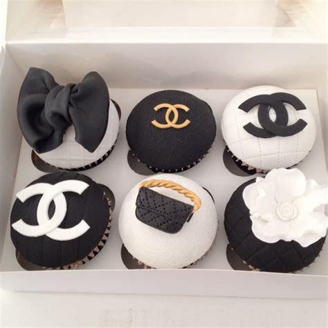 box   chanel theme cupcakes