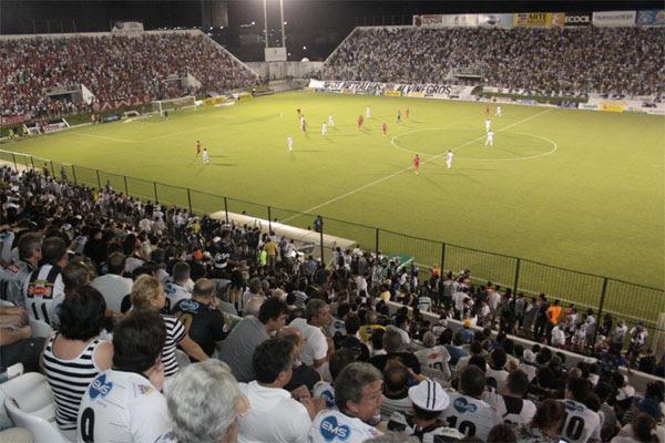 O Corpo de Bombeiros solicitou mais de 300 adequações de segurança para liberar a realização de partidas no estádio Frasqueirão