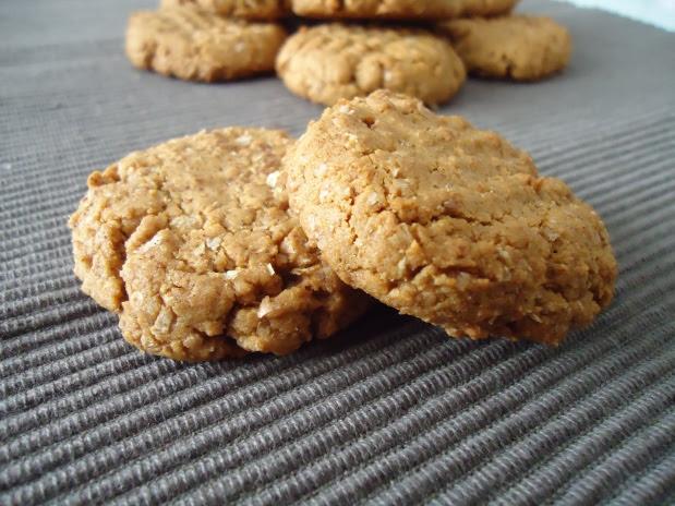 Almond butter cookies / Bolachas de manteiga de amêndoa