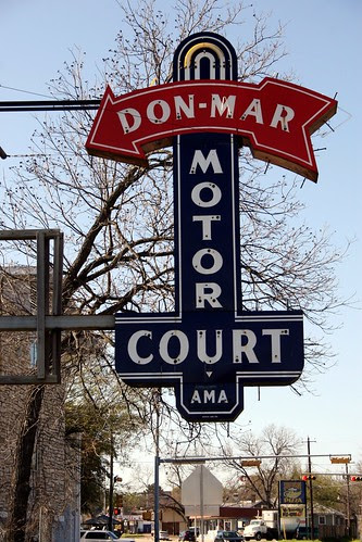 don-mar motor court neon sign