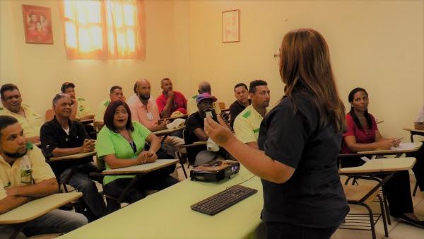 OMSA y ENEVIAL inician talleres para capacitar conductores sobre Ley 63-17