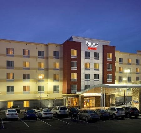 minneapolis airport hotels with free shuttle