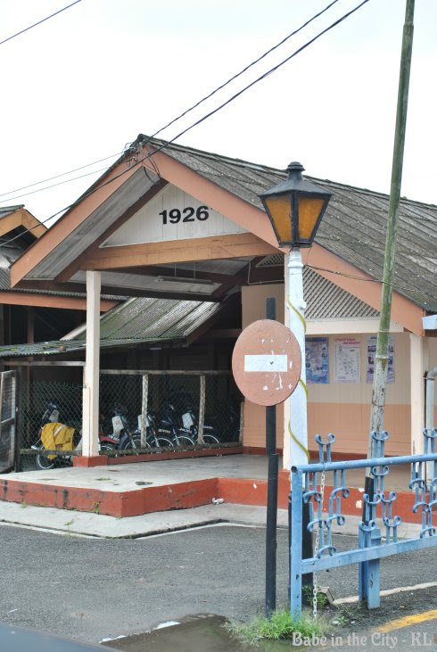 K.Lipis Train Station