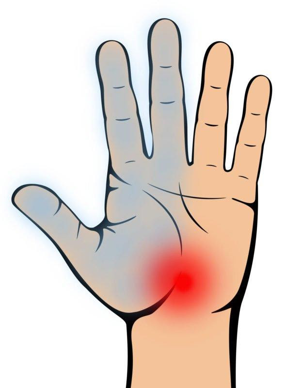 7 Important Warnings Your Hands Give About Your Health