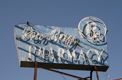 ren-ray pharmacy sign