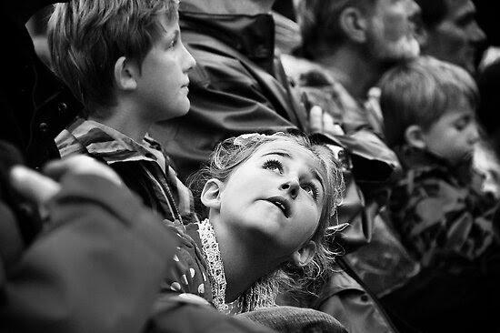 Street Photography: Far in the Sky by Marcin Retecki