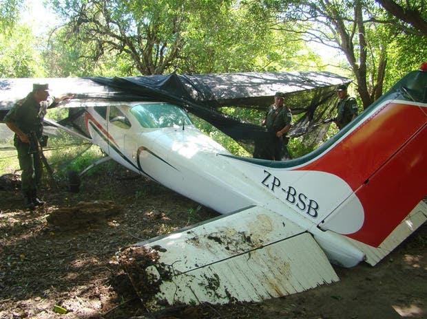 Gendarmería decomisó varias avionetas que eran utilizadas para transportar cocaína de Bolivia a Corrientes