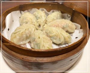 ほんとに綺麗な喜洋洋さんの餃子。中国文化とイタリア文化の融合みたいな。