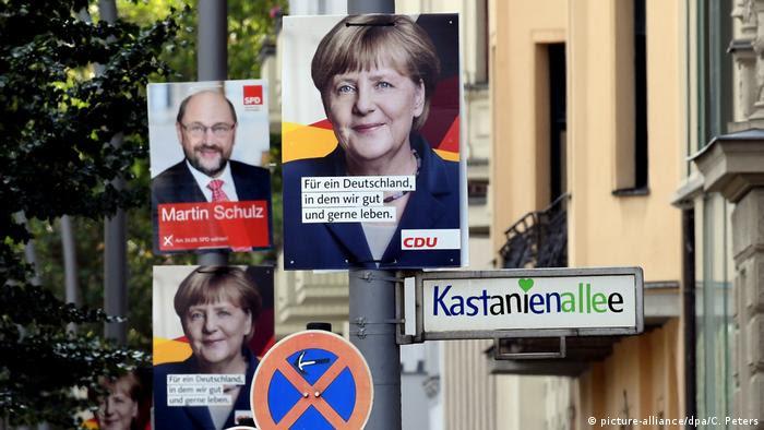 Wahlplakate in Berlin (picture-alliance/dpa/C. Peters)