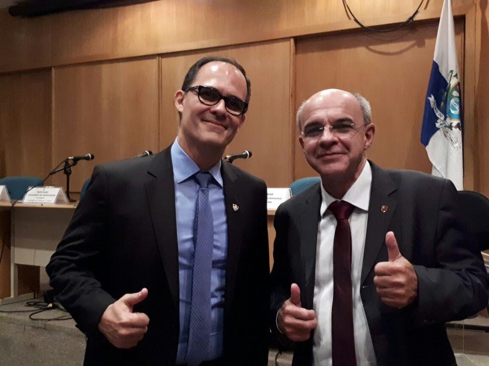 Pedro Abad, presidente do Flu, e Eduardo Bandeira de Mello na Alerj (Foto: Bruno Giufrida)