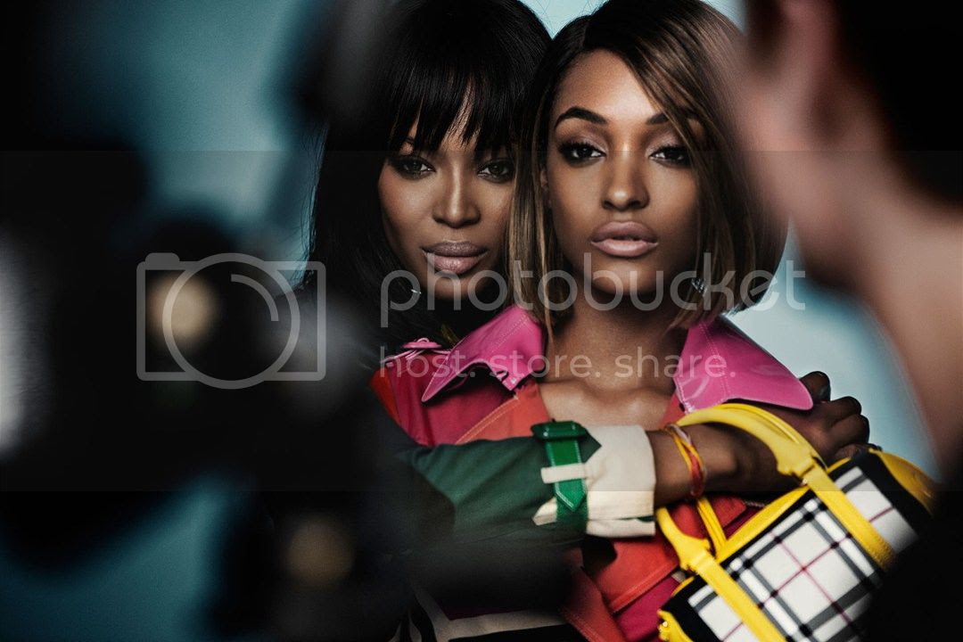 photo Burberry-Spring-Summer-2015-Campaign-5-Vogue-15Dec14-pr_b_1080x720_zps08747965.jpg
