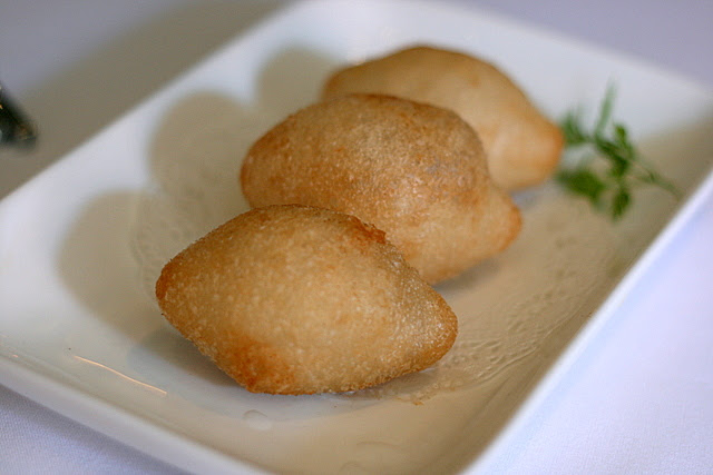 Crispy Glutinous Rice Skin Dumpling with Chicken and Chives - Harm Soei Gok