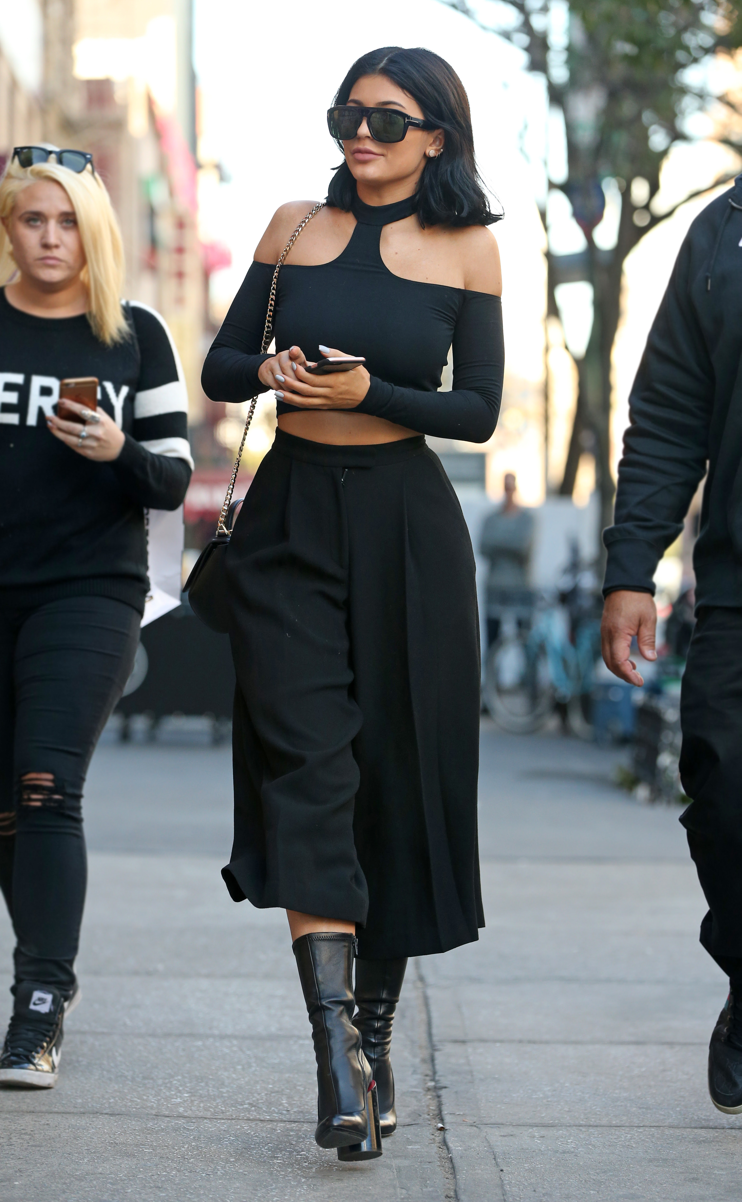 kendall and kylie jenner street style  kendall and kylie