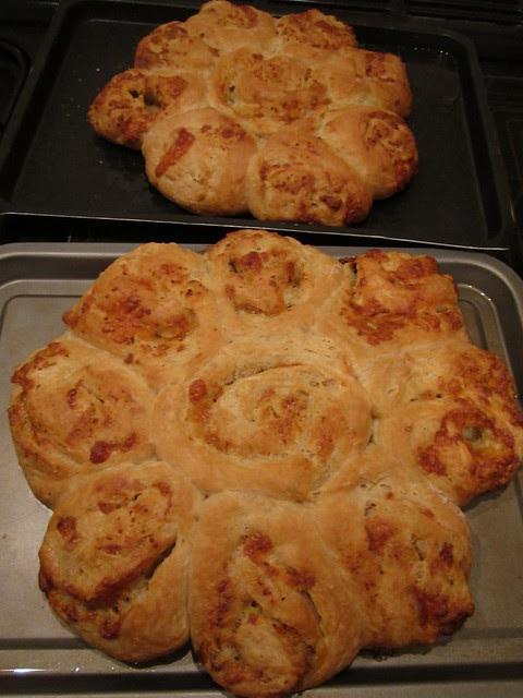 cheesy garlic bread 004