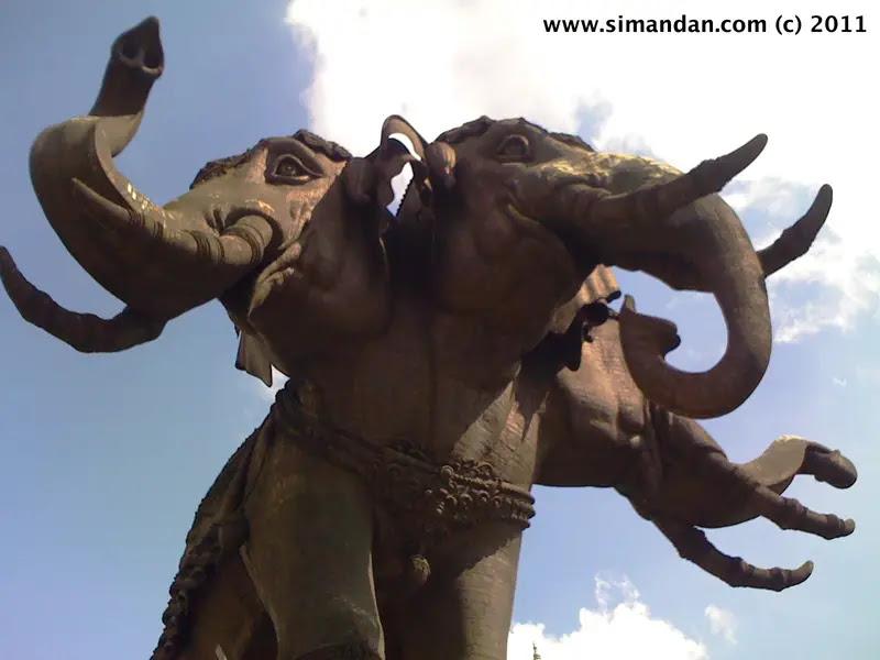 Thailand Travel Guide The Erawan Museum In Samut Prakan The Three