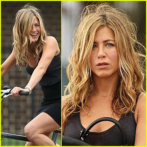 Jennifer Aniston é um caçador de recompensas