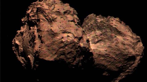 La sonda Rosetta hizo su primer envío de foto en colores del cometa 67P/Churyumov-Gerasimenko.(@esa)