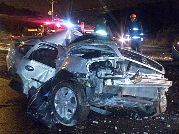 Mulher morreu em acidente na BR-116 em Caxias do Sul (Foto: Polícia Rodoviária Federal/Divulgação)