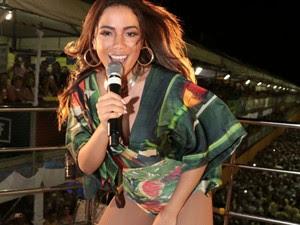 Anitta em cima do trio (Foto: Fred Pontes / Divulgação)