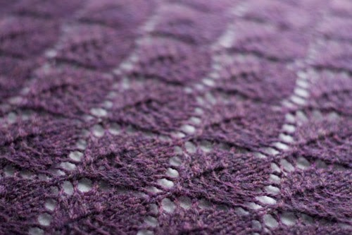 Knitting Pattern Leaf Lace : The Potential of Yarn: FO: Lace Leaf Shawl