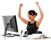 http://blog.hotmart.com/afiliados/5-passos-para-fazer-sua-primeira-venda-como-afiliado-de-um-produto-digital/