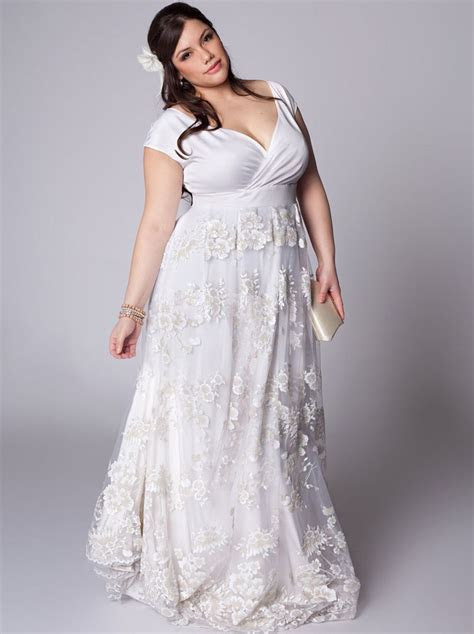 casual plus size beach wedding dresses   25 year Vow