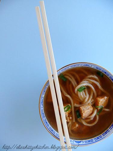 Canton noodle and tofu sup2