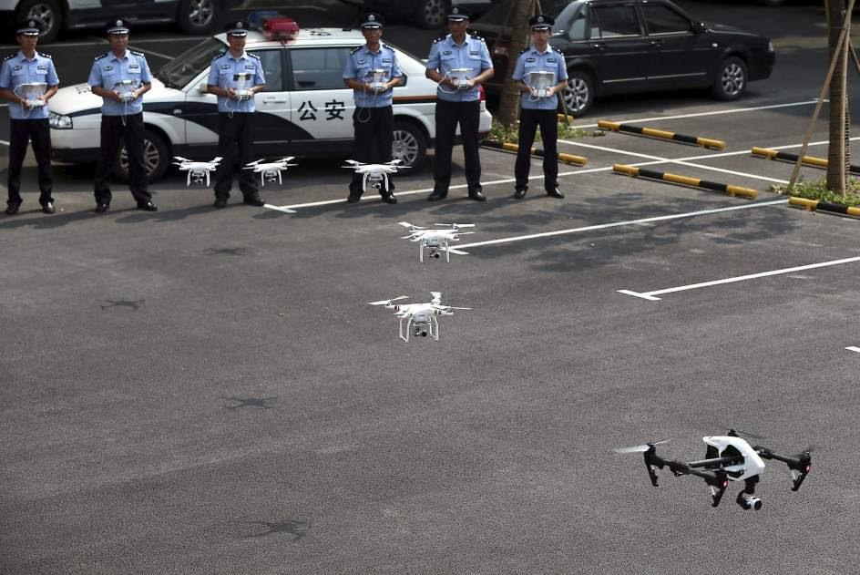 La policía china utiliza drones para trabajar