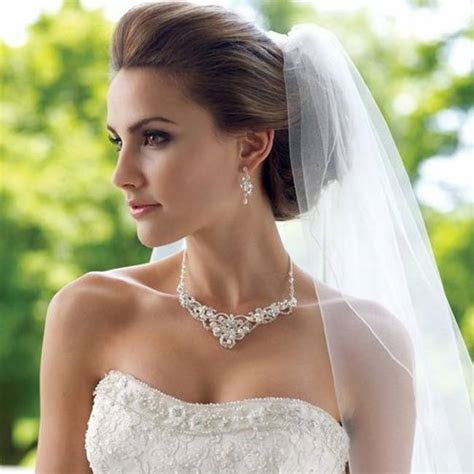 Perfect bride: 5 rules to choose the wedding jewelry