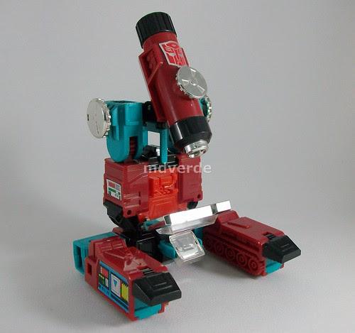 Transformers Perceptor G1 Takara Reissue - modo alterno (by mdverde)