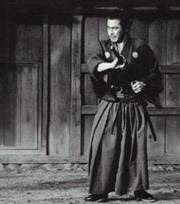 http://commentarytrack.files.wordpress.com/2008/02/yojimbo-still2.jpg