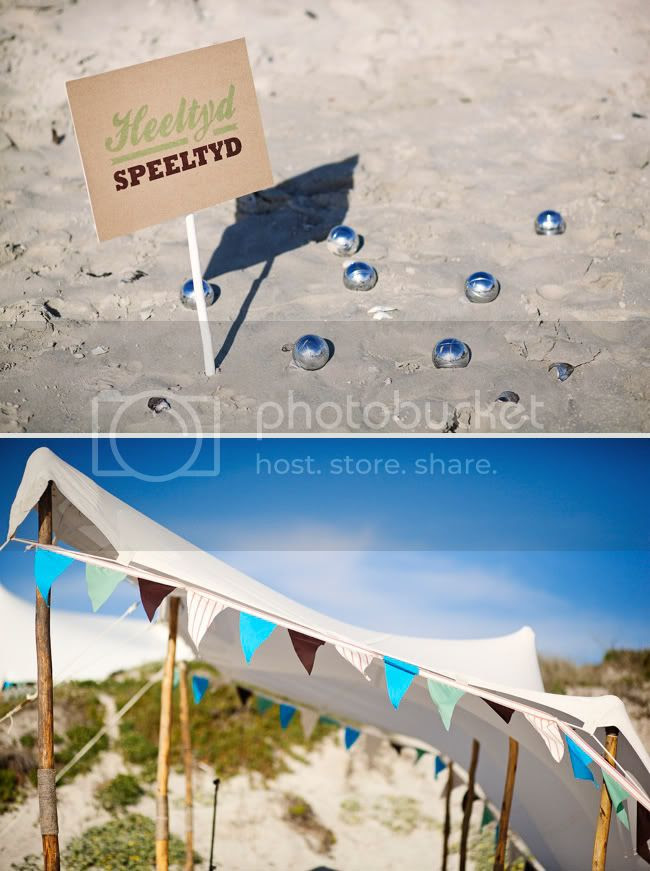 http://i892.photobucket.com/albums/ac125/lovemademedoit/welovepictures/StrandKombuis_Wedding_062.jpg?t=1324654859