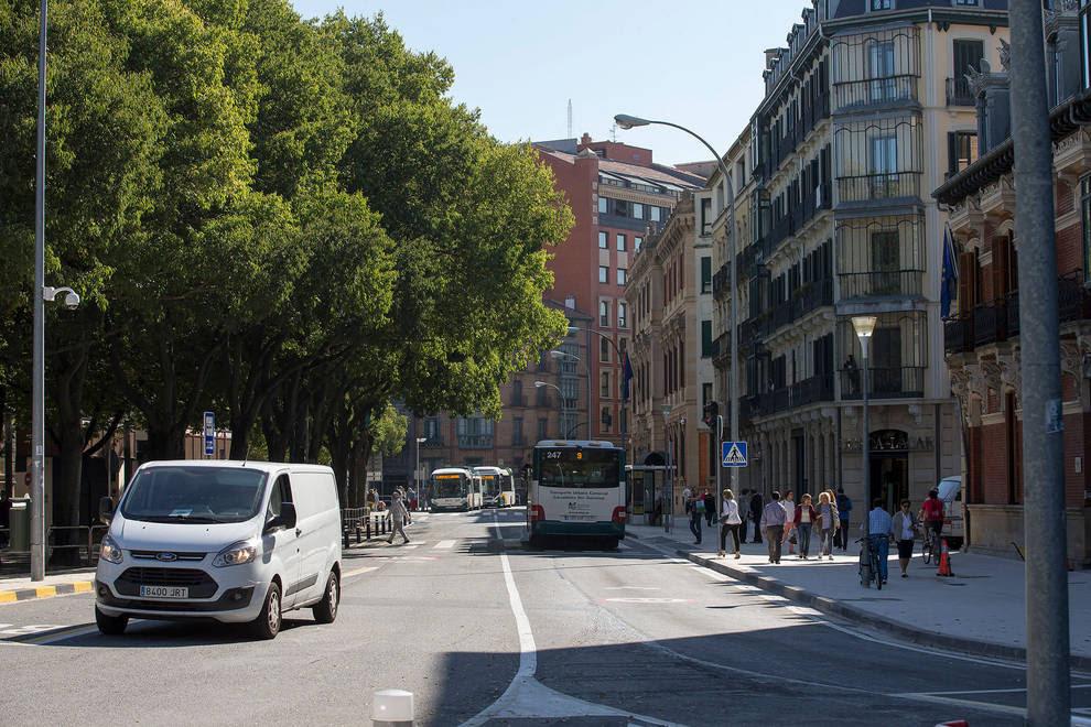Resultado de imagen de Cruce de la Calle Navas de Tolosa con General Chinchilla.