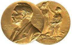 NOBEL 2016: David Thouless, Duncan Haldane şi Michael Kosterlitz împart Nobelul pentru Fizică