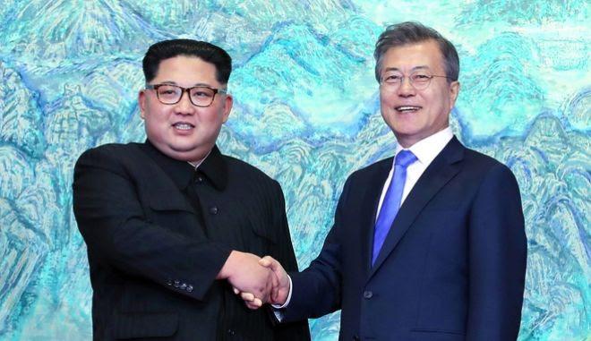 """Οι δύο ηγέτες στο """"Σπίτι της Ειρήνης"""""""