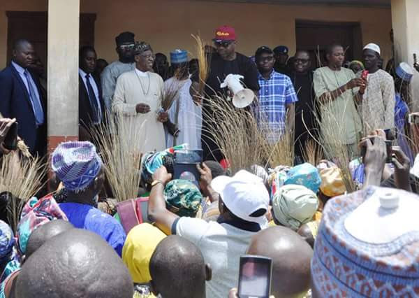 Defections: Lai Mohammed Visits Kwara, Holds Meeting With Lawmakers (Pics)