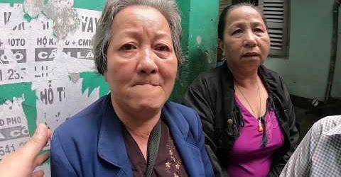 Chị gái chị Thủy khóc khi chị Cẩm xinh đẹp phát tâm từ thiện hỗ trợ an táng chị Thủy 3 triệu