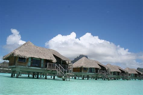 Can You Visit Bora Bora on a Budget? Sort of?Here?s How