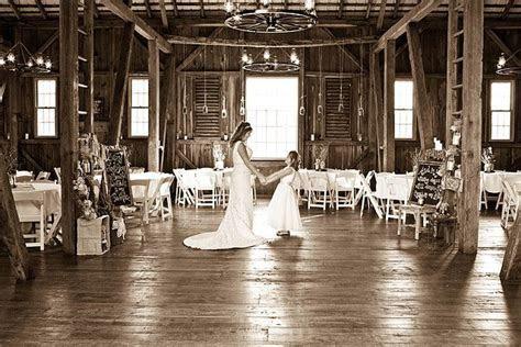 Two Harts Barn, barn wedding venue, spring grove, pa