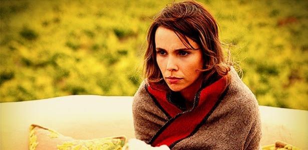 Nina é a protagonista da trama e será abandonada em um lixão