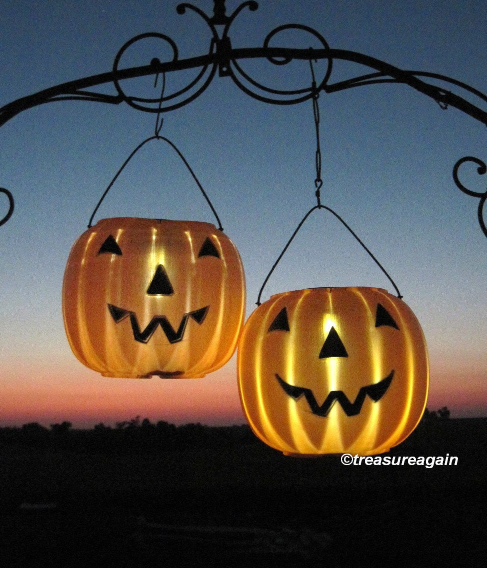 2 Pumpkin Solar Lights Halloween Lanterns Outdoor by treasureagain