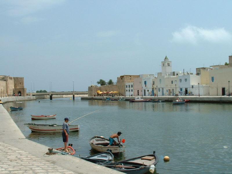 Лука у Бизерти у Тунису.