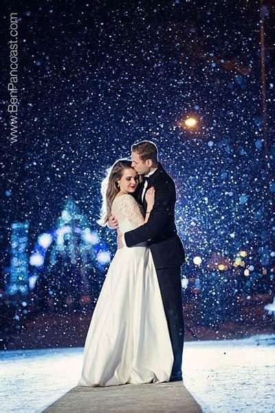 Southwest Michigan   Winter Wedding Photos in Southwest
