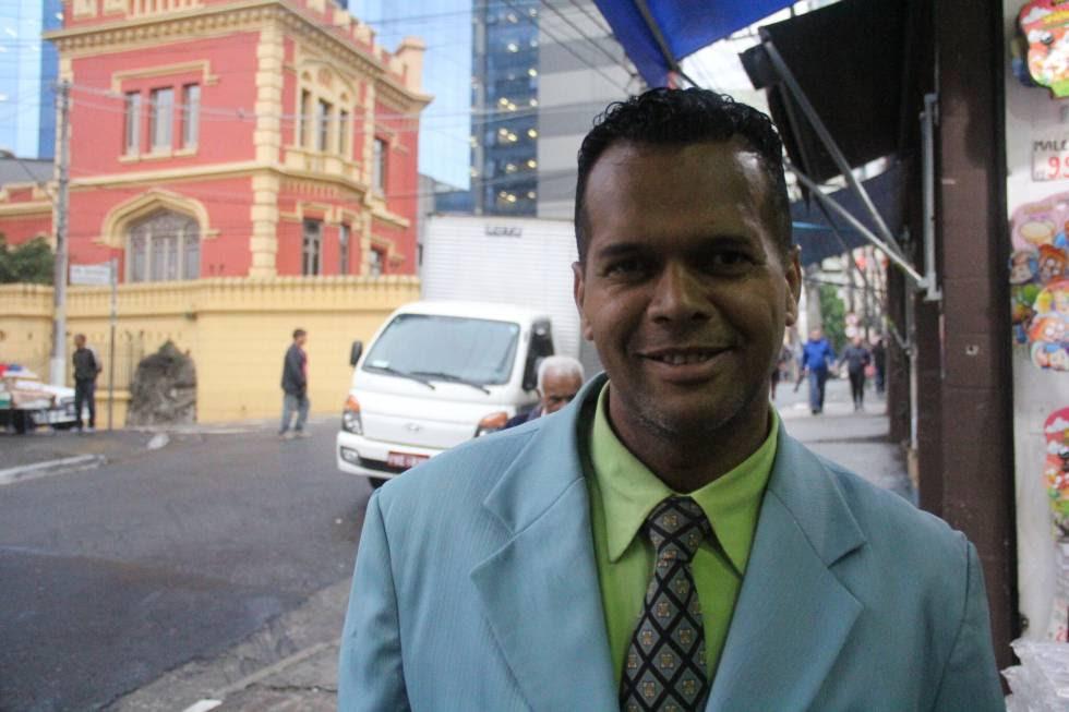 Adoniran Oliveira, pastor e ambulante