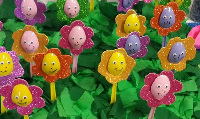 plastic spoon flower craft 640x381